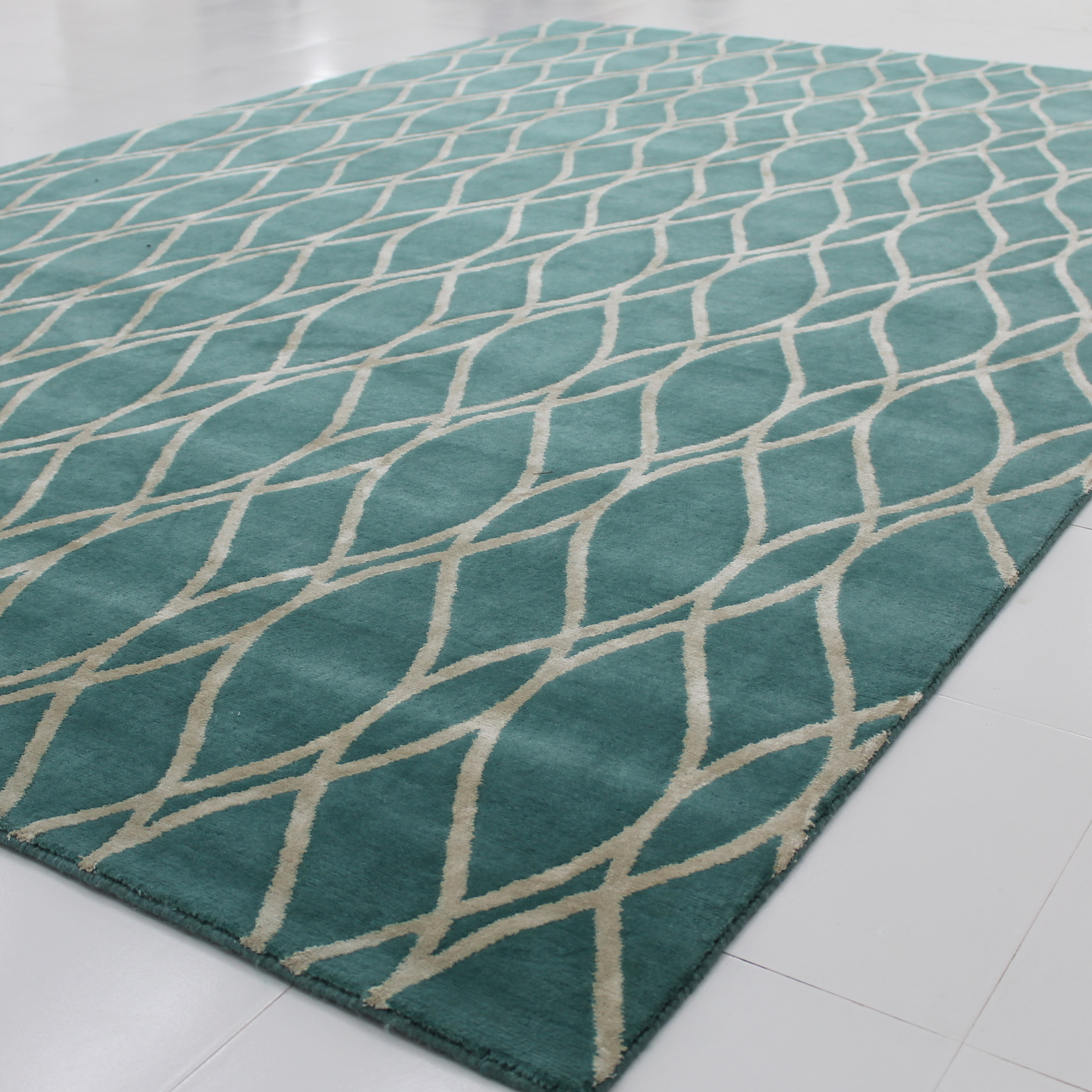 Custom Coloured Rug Tusca Design