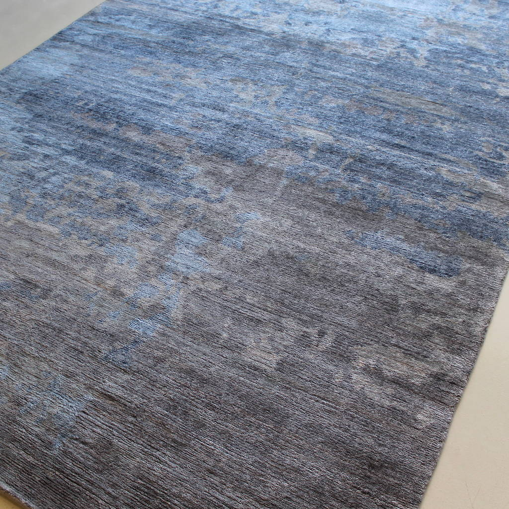 Because Of This Feature Empire Looks Completely Diffe From Both Ends The Rug
