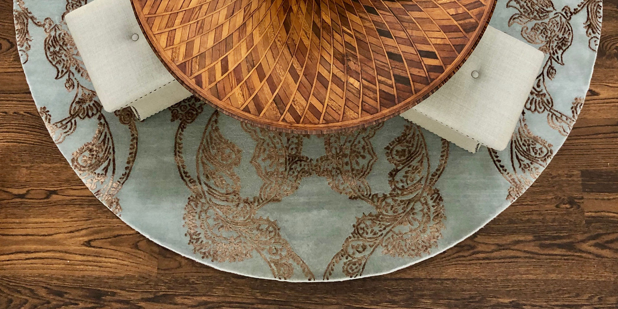 Where to use a Round Rug